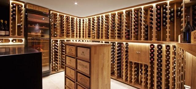 vinkælder og vinreoler fra wineandbarrels.com