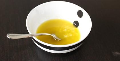 Salatdressing med hvidløg