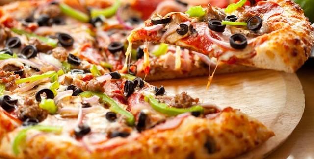 Pizzaens historie, tips til pizza i grill og 6 opskrifter på Pizza