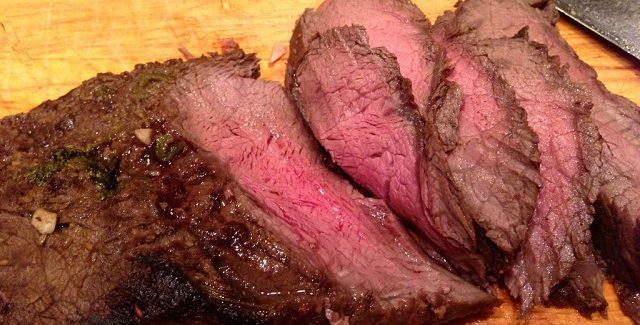 Udskæring: Flat Iron Steak – en overset super-bøf!