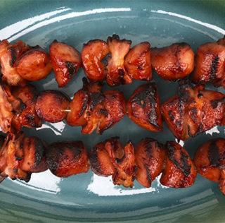 Frankfurter-spyd med bacon og barbecue