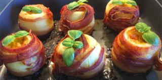 Bagekartofler med bacon, hvidløg og cheddar