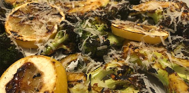 Spicy Broccoli med chili, hvidløg og parmasan